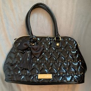Betsey Johnson Black Heart Quilted Purse EUC
